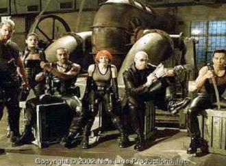 استبصار سينمائي ذكي: فيلم بليد2/2002 بقلم : مهند النابلسي