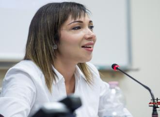 الدكتورة كوثر بدران تنظم أول منتدى  قانوني حول المدونة وحقوق المرأة بجامعة إيطالية . بقلم د . محمد بدران