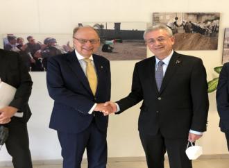 د . مصطفى البرغوثي يلتقي وزير الدولة ونائب وزير الخارجية السويدي روبرت ريدبرغ